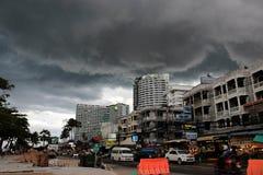 Dåligt väder i stad Royaltyfria Bilder