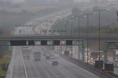 Dåligt väder på motorwayen för britt M1 Royaltyfri Fotografi
