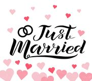 Dé apenas el texto casado dibujado de las letras negras con los corazones Fotos de archivo