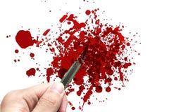 Dé a control el cortador oxidado del cuchillo con el grunge de la sangre Imágenes de archivo libres de regalías