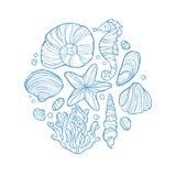Dé el bosquejo monocromático exhausto de la cáscara, del seahorse, de estrellas de mar, del coral y de otros vida marina en círcu ilustración del vector