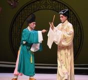 """Dé el consejo y las sugerencias del  del oeste de Chamber†del """"the de la ópera del monje-Kunqu imagen de archivo"""