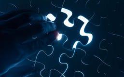 Dé el rompecabezas del parte movible, imagen conceptual de la estrategia empresarial Imagen de archivo libre de regalías