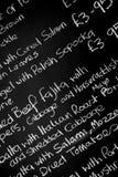 Dé el tablero escrito del menú de la tiza featureing los diversos ingredientes Imagenes de archivo