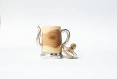 Dé en bois de bidon fabriqué à la main avec l'étain Images stock