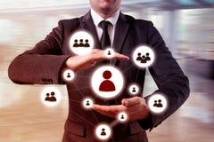 Dé la red del icono del hombre de negocios que lleva - concepto de la hora, de HRM, de MLM, del trabajo en equipo y de la direcci Fotos de archivo libres de regalías