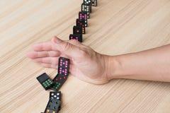 dé a parada haber derribado continuo, prevenga el efecto de dominó riesgo, failu Imagen de archivo libre de regalías