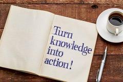 ¡Dé vuelta al conocimiento en la acción! Imagenes de archivo