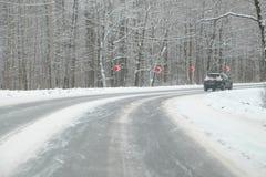 Dé vuelta a los caminos del invierno foto de archivo libre de regalías