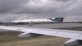 Débarquement chez Denver International Airport clips vidéos