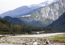 Débarquement dans l'aéroport d'Alaska Images libres de droits