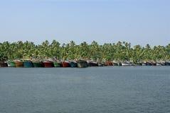 Débarquement de bateaux de pêche Photographie stock