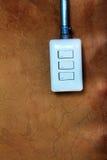 Débouché électrique sur le parement de mur Image stock