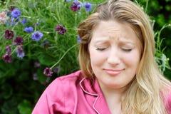 Début de jeune femme à pleurer Image libre de droits