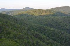 Début de l'été bleu de Ridge Expanse Photographie stock libre de droits