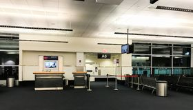 Début de la matinée chez Logan International Airport, Boston, mA Image stock