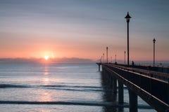 Début de la matinée chez nouveau Brighton Pier image stock