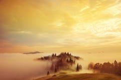 Début de la matinée dans les montagnes Photographie stock libre de droits