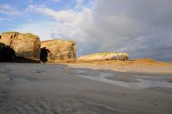 Début de la matinée en plage de Catedrales de llas Images stock