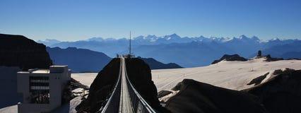 Début de la matinée sur le glacier de Diablerets Photos stock