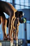 Début de natation Photos stock
