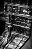 Décalez le bouton d'une voiture de sport Chevrolet Corvette (C4) Targa, 1988 Image libre de droits