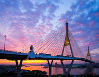 5 décembre 2017, Bangkok, pont 2 Facili de Bhumibol de ciel de lever de soleil/coucher du soleil Images libres de droits