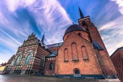 4 décembre 2016 : Ciel au-dessus de la cathédrale de St Luke dans Rosk Photo libre de droits