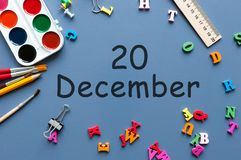 20 décembre Jour 20 de mois de décembre Calendrier sur le fond de lieu de travail d'homme d'affaires ou d'écolier Horaire d'hiver Photographie stock libre de droits