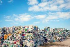 Décharge avec les déchets traités Images libres de droits