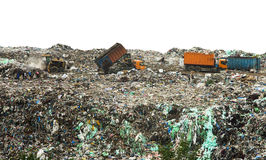 Décharge avec les piles énormes des déchets images stock