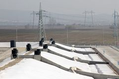 Décharge de Тhe pour les déchets de rebut non-dangereux chez Yana, Kremikovtzi, Bulgarie Carburant de RDF de carburant dérivé pa images stock