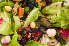 Déchets alimentaires et chutes images stock