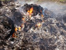 Déchets brûlants 2 photos stock
