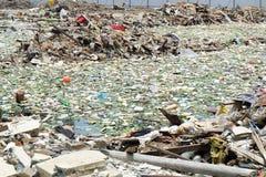 Déchets d'ordure à Bangkok central le 19 juin 2015 Photographie stock