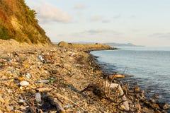 Déchets et déchets sur la plage Images stock