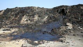 Déchets toxiques d'ancienne décharge, contamination de lagune d'huile, effets de nature de sol images libres de droits