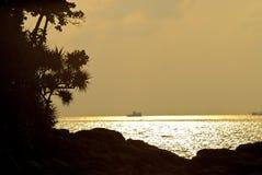 Déclin sur des îles photos stock