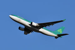 Décollage d'Aer Lingus Airbus A330 Photographie stock libre de droits
