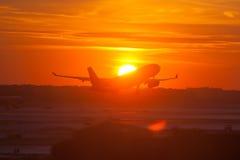 Décollage d'avion de passager Image libre de droits