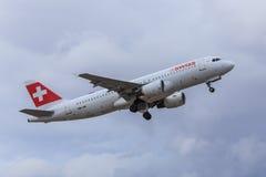 Décollage de jet de Suisse Images stock