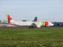 Décollage de TAP Portugal Airbus A321 d'aéroport de Prague Image libre de droits