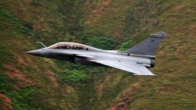 Décollage français d'avion de chasse du mirage 2000 de Dassault de l'Armée de l'Air photos libres de droits