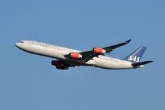 Décollage scandinave des compagnies aériennes A340 Photo libre de droits