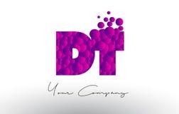 Décollement D T Dots Letter Logo avec la texture pourpre de bulles Photo libre de droits