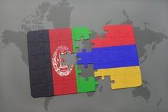 déconcertez avec le drapeau national de l'Afghanistan et de l'Arménie sur un fond de carte du monde Images stock