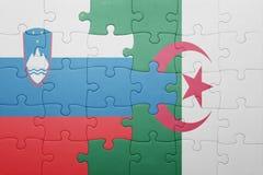 déconcertez avec le drapeau national de l'Algérie et de la Slovénie Photo stock