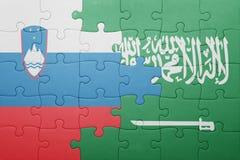 Déconcertez avec le drapeau national de l'Arabie Saoudite et de la Slovénie Images stock