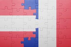 Déconcertez avec le drapeau national de l'Autriche et des Frances Photo stock