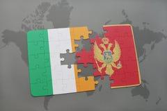 déconcertez avec le drapeau national de l'Irlande et du Monténégro sur un fond de carte du monde Photo libre de droits